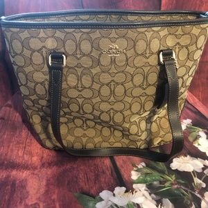EUC COACH BROWN JACQUARD MEDIUM TOTE